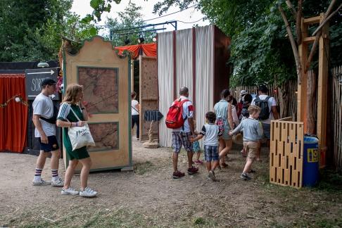 Les arts urbains, forains, circassiens sont très peu connus en Suisse. L'occasion immanquable de les découvrir au Paléo Festival. © leMultimedia.info / Oreste Di Cristino [Nyon]