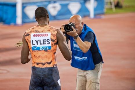 Noah Lyles est invaincu sur les 200 mètres mondiaux cette année. Il a commencé sa auite de victoires au Qatar en début de saison le 4 mai dernier. © leMultimedia.info / Oreste Di Cristino [Doha]