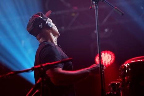 Guilherme Alves Dos Santos était aux percussions avec Marcio André Matos Pacheco. © leMultimedia.info / Oreste Di Cristino