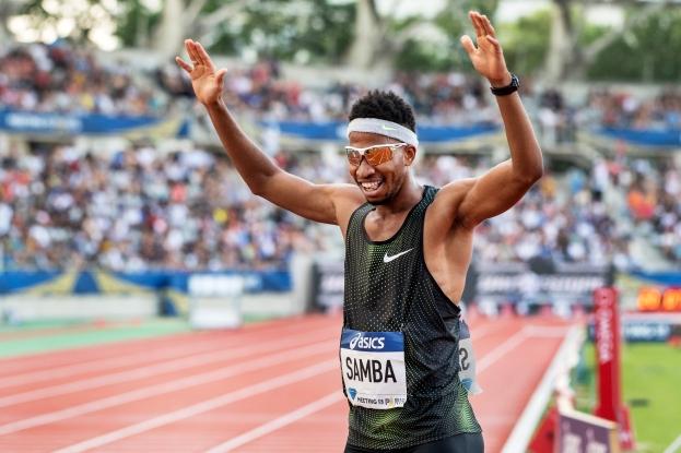 Abderrahman Samba avait réussi un très grand coup samedi soir au Meeting de Paris à Charléty en devenant seulement le deuxième homme à courir les 400 mètres haies en moins de 47 secondes. © leMultimedia.info / Oreste Di Cristino