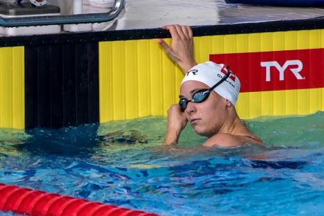 Solidaires, tous les nageurs s'encouragent et se tirent la bourre. « On se motive et voir des nageurs qui vont bien ça nous tire également. On a véritablement créé une dynamique. On a toujours envie de faire mieux et on voit que la petite Suisse est là », nous explique Noémi Girardet qui est passée à un doigt d'une demi-finale sur 200m nage libre. © leMultimedia.info / Oreste Di Cristino [Glasgow]