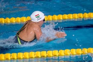 Triple championne d'Europe, quadruple championne du monde et championne olympique de cette terrible distance, la nageuse originaire de Pécs, Katinka Hosszú a enfin remporté une médaille à Glasgow après deux 4e place au 100m dos et au relai 4x200m nage libre mixte. © leMultimedia.info / Oreste Di Cristino [Glasgow]