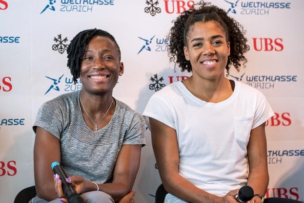 Le plus important en athlétisme, raconte Marie-Josée Ta Lou (à gauche en conférence de presse au Letzigrund) n'est pas tant le résultat, « mais l'histoire que l'on a à raconter au travers de notre sport. » C'est une chose que conviendrait parfaitement la Suissesse Mujinga Kambundji, à sa droite. © leMultimedia.info / Oreste Di Cristino [Zürich]