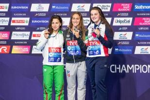 """La championne italienne a devancé la Hongroise (en argent avec un record d'Europe junior en 4'03""""57) et la Britannique Holly Hibbot. © leMultimedia.info / Oreste Di Cristino [Glasgow]"""