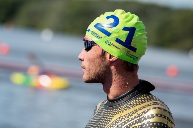 Sylvain Fridelance sort du lac de Strathclyde lors des Championnats d'Europe de triathlon. Le jeune homme de 23 ans a terminé 25e de son parcours élite. © leMultimedia.info / Oreste Di Cristino [Strathclyde]