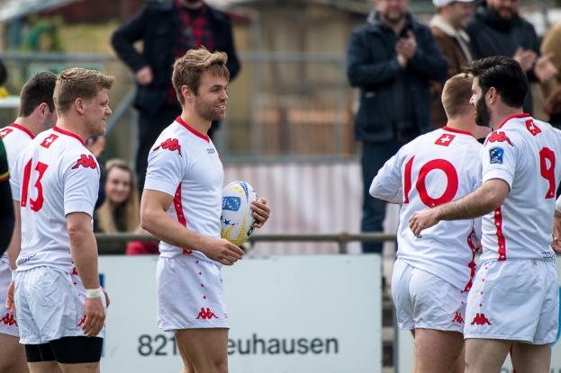 Lucas Heinrich (ballon en mains) a été décisif pour la Suisse; ses deux premiers essais de la partie (3e et 21e) ont largement conditionné le match de la Lituanie. © leMultimedia.info / Oreste Di Cristino [Schaffhouse]