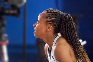 « La mentalité suisse va changer », assure d'un ton décidé Sarah Atcho, qui a voulu prendre le pas de commencer sa saison plus tôt. Ces prochaines années également. © leMultimedia.info / Oreste Di Cristino [Doha]