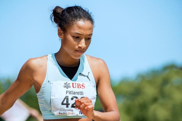 La sauteuse de l'US Ascona Emma Piffaretti est vice-championne de Suisse avec un quatrième saut à 6,16m. La Tessinoise a dépassé la barre des six mètres à trois reprises samedi après-midi. © leMultimedia.info / Oreste Di Cristino [Bâle]