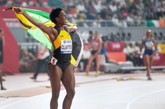 La Jamaïcaine Rushell Clayton a, elle aussi, décroché sa toute première médaille mondiale. De par le bronze, l'athlète de 27 ans a validé, à Doha cette année, une ascension fulgurante. © leMultimedia.info / Oreste Di Cristino [Doha]